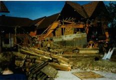 Abriss des alten Stadls